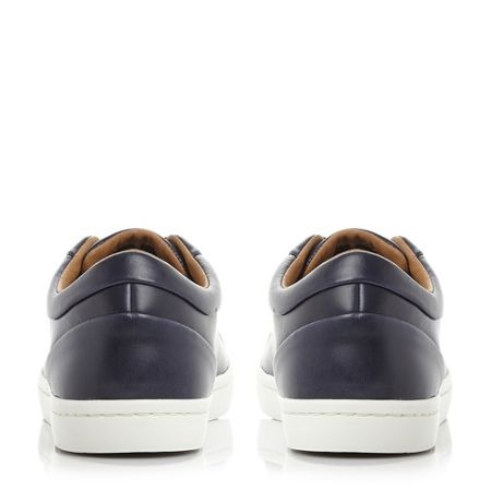 Lacoste Straightset premium leather trainers