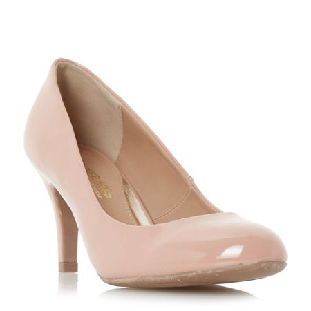Head Over Heels Annie round toe court shoes