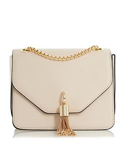 Elina metal tassel detail boxy bag