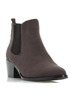 Perina point chelsea boots