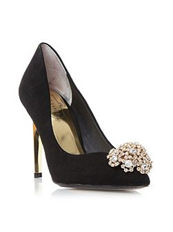 Peetch brooch trim court shoes