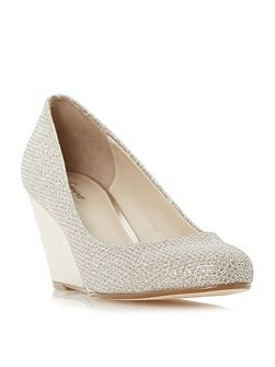 Bora round toe wedge court shoes