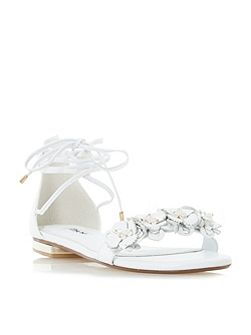 Nigella flower trim sandals