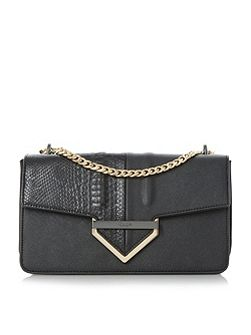 Dabulous curb chain shoulder bag