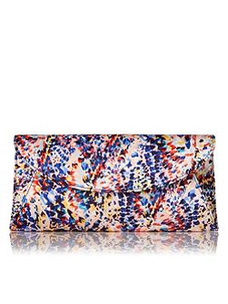 Flo curved envelope clutch