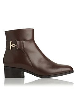 Gabriela ankle boots