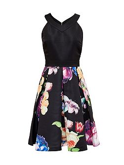 Illusia Tapestry Floral Pleated Dress