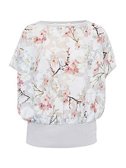 Fellia Oriental Blossom top