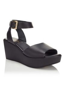 Miss Selfridge MARIA Leather Flatform Sandal