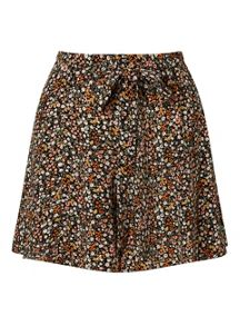 Miss Selfridge Ditsy Tie Waist Short