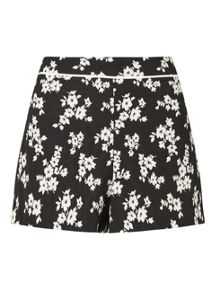 Miss Selfridge Mono Floral Jacquard Short