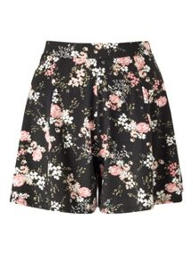 Miss Selfridge Black Floral Short
