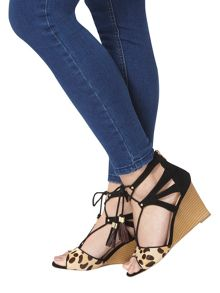 Dorothy Perkins Piper` Tassle Wedges