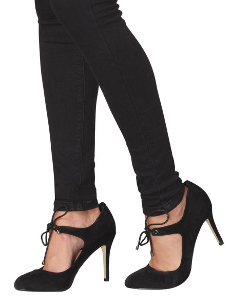 Dorothy Perkins Dolls Ghillie Courts