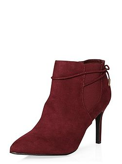 Wales Pointed Boots