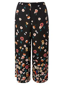 Floral Border Print Cropped Trousers