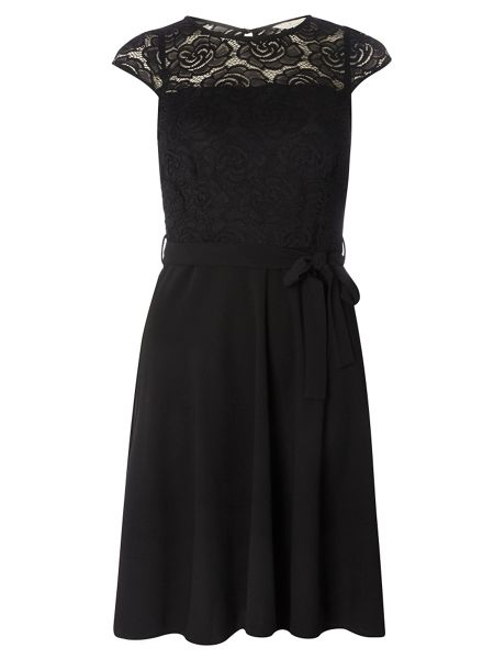 Dorothy Perkins Billie and Blossom Lace Top Dress