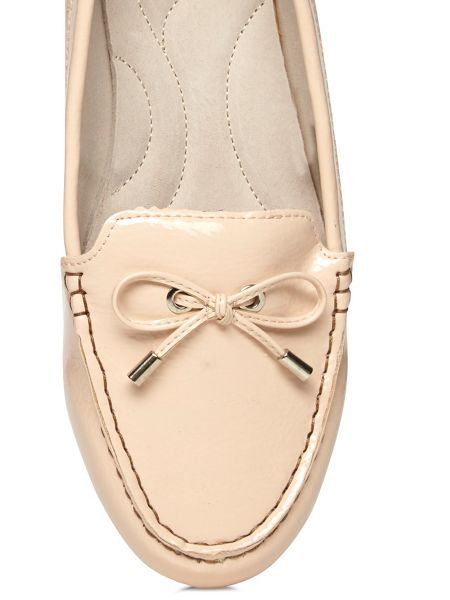 Evans Nude Patent Driving Shoe