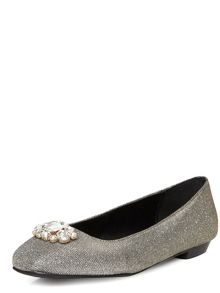 Evans Extra Wide Fit Gem Square Toe Pump
