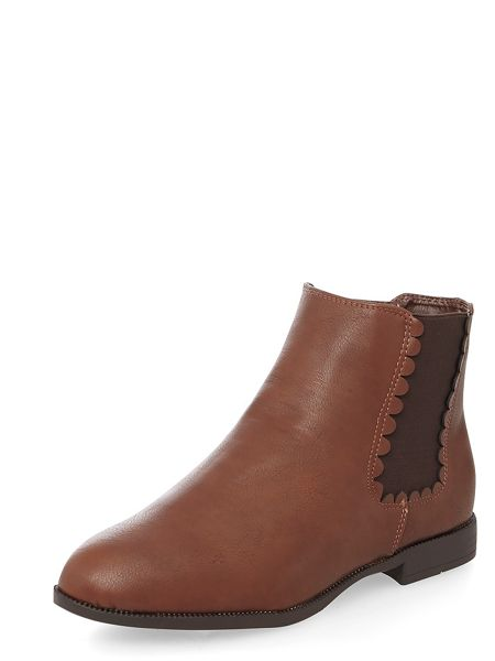 Evans Brown scallop chelsea boot