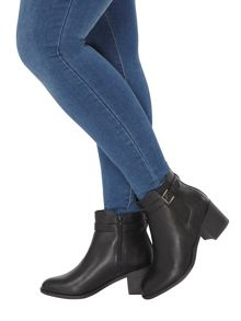 Evans Black Elastic Heeled Boot