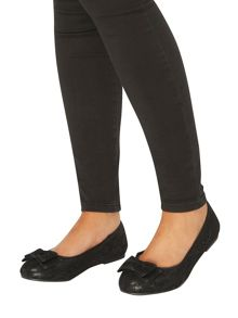 Evans Extra Wide Fit Black Bow Ballet Pump