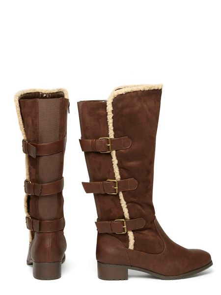 Evans Extra Wide Fit Brown Three Buckle Boot