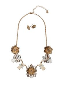 White Stuff Perfect Flora Necklace Set