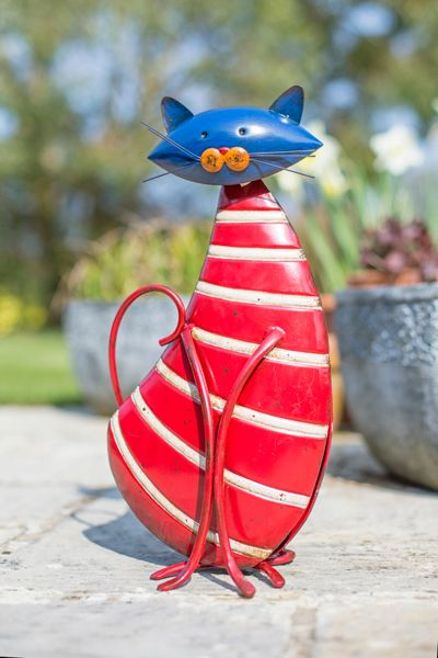 La Hacienda Stripy metal cat ornament