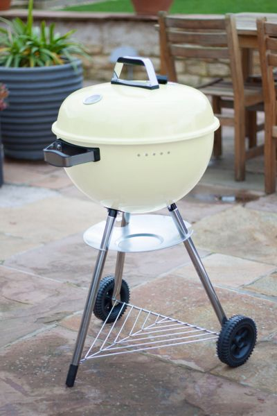 La Hacienda 50cm cream kettle BBQ