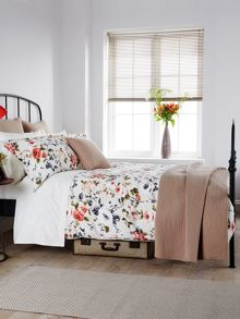 Christy Carlotta duvet cover