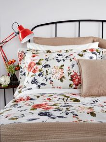Christy Carlotta oxford pillowcase pair