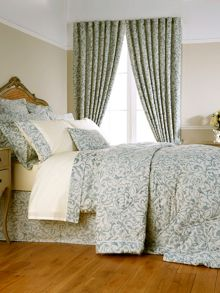 Christy Camelia bedspread