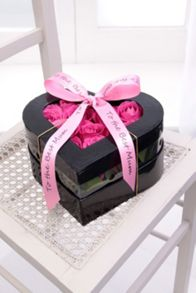 Floric Pink rose heart hatbox