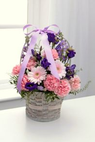 Floric Mother`s day gift basket