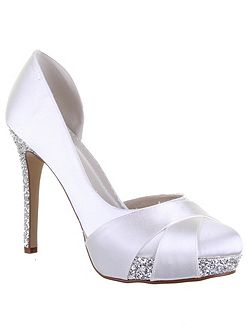Christy court shoes