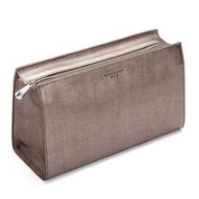 Small cosmetic case