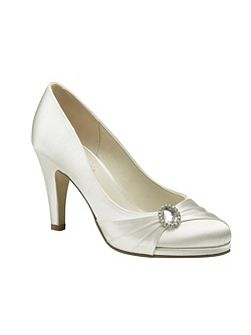 Strawberry round toe court shoes