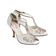 Scent vintage style t-bar sandals