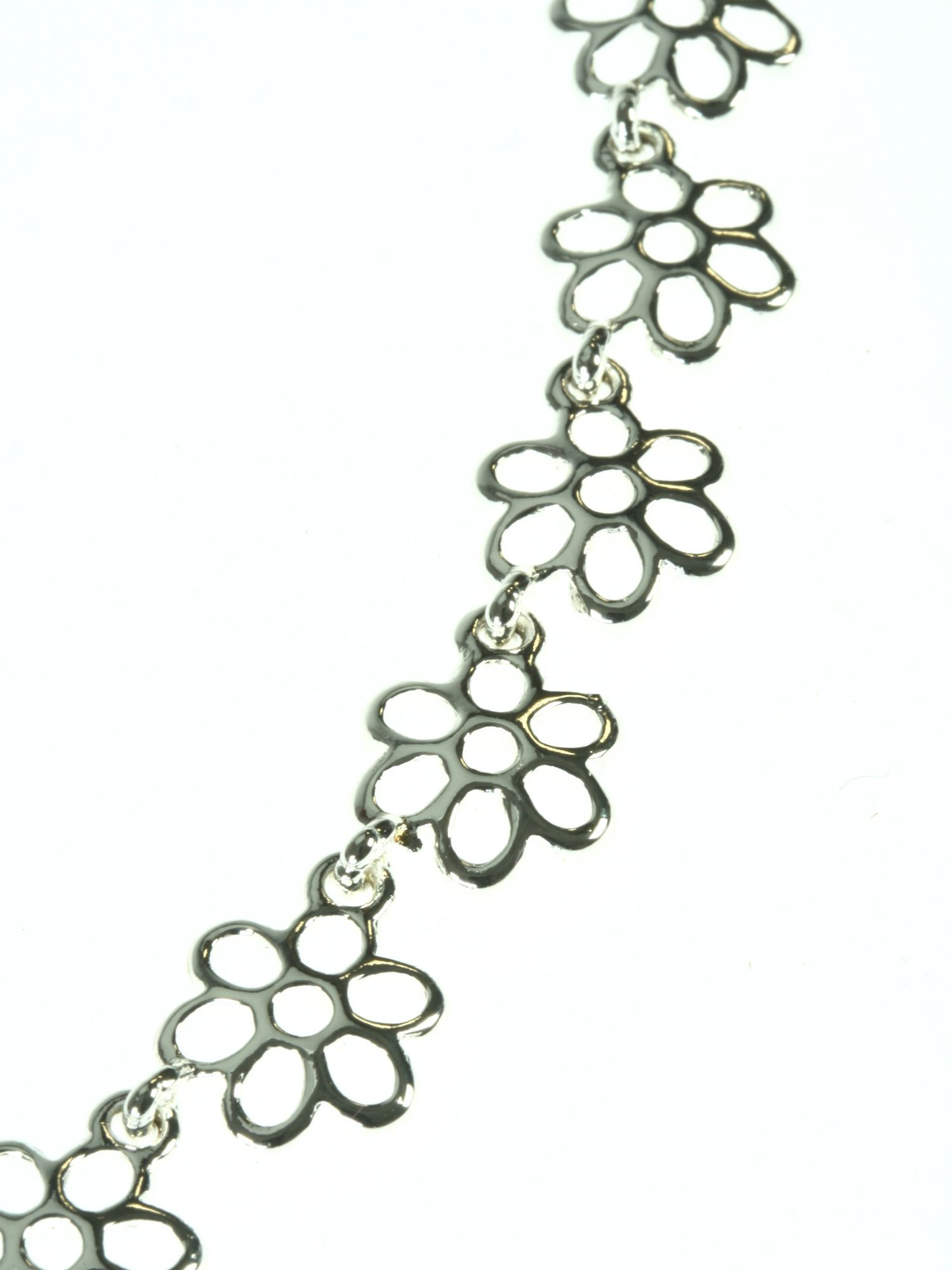 Shiny silver plated flower necklace