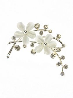 White resin double flower brooch