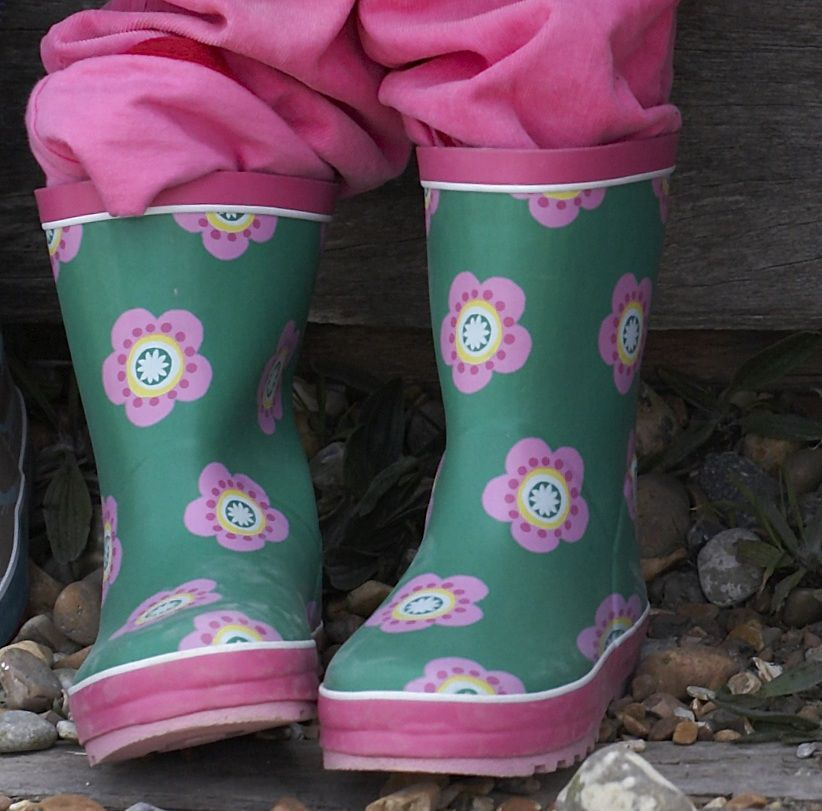 Girl`s natural rubber boots