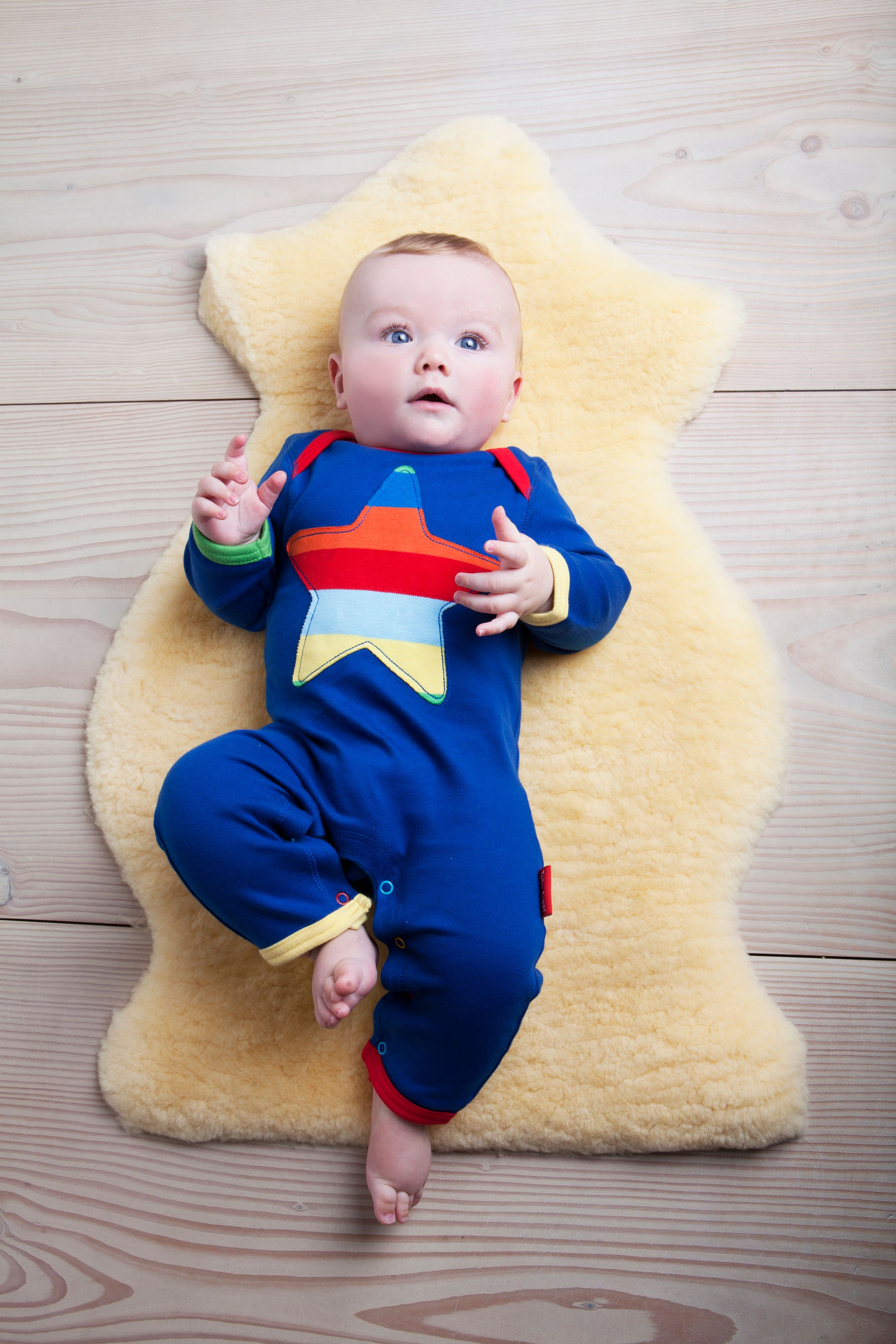 Kid`s organic cotton multistripe star applique sl