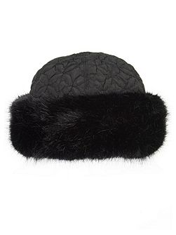 Black faux fur trim quilted hat