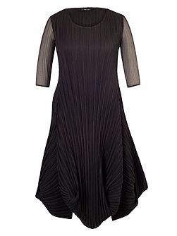 Plus Size Black Crush Pleat Crepe Drape Hem