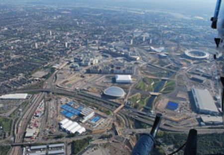 Buyagift Helicopter Ride Over London for Two