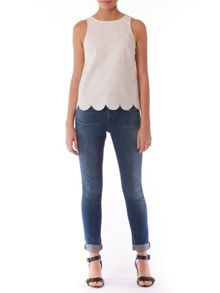 Phoebe scallop shell top