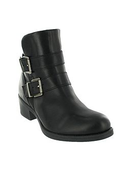 Ankle boot with buckles