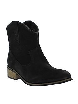 Western-style ankle boot