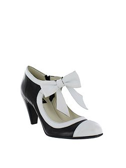 Women`s mary jane court shoes